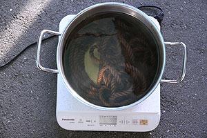 煮鞣し作業(4)